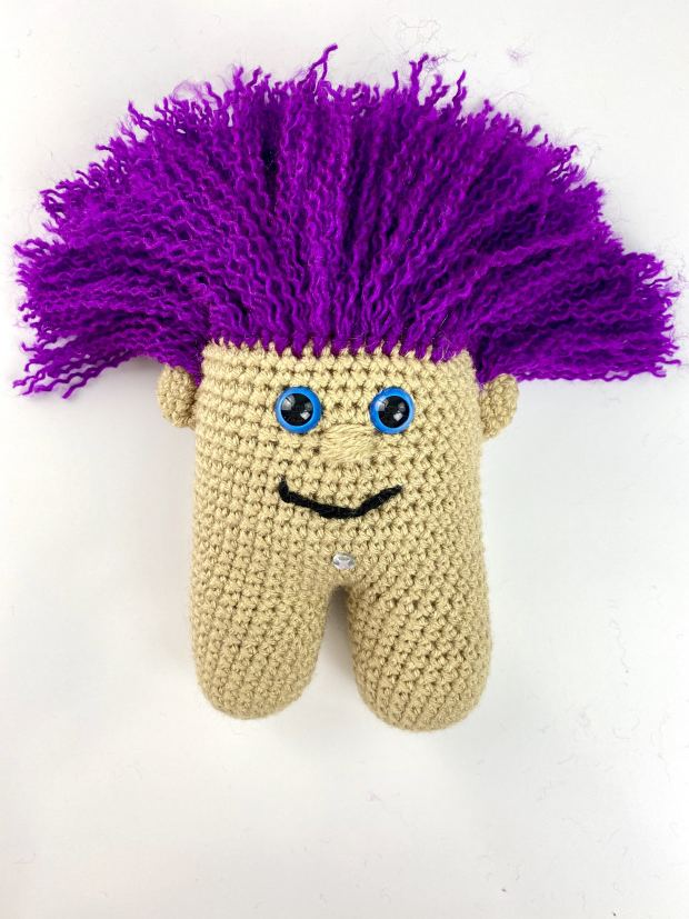 Learn how to make this adorable 90's themed crochet troll doll in this very beginner-friendly, step-by-step tutorial. Full video tutorial included.
