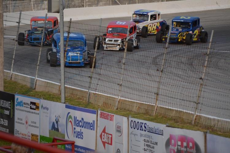 stock-car-racing-at-sauble-speedway