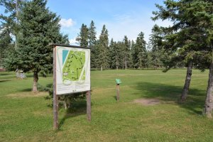 disc-golf-course-at-waskesiu