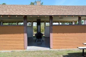 picnic-shelter-at-dilberry-lake-day-use-area