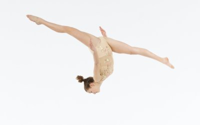 "Why We Don't Let Students Skip Ahead to the ""Big Tricks"" In Acro Class"