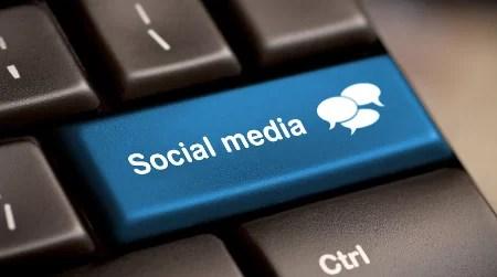 social-media-computer-button