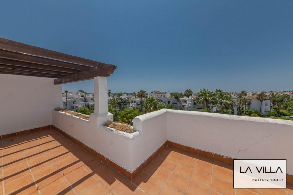Penthouse duplex de 3 chambres superbes terrasses vue mer Estepona Vente appartement