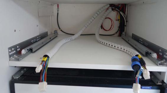 Die Leitungen für das zusätzliche Elektro-Fach sind bereit