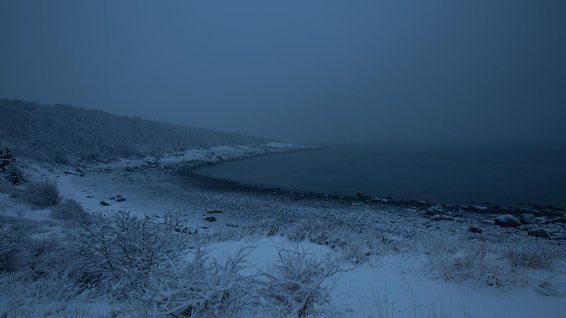 Whale Cove mit Schnee