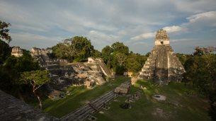 Gran Plaza mit dem Jaguar-Tempel.