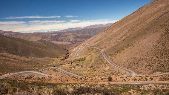 Wiedereinmal schrauben wir uns auf über 4700 Meter hoch: der Paso Jama.