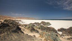Weisser Sandstrand in Nordchile? Yup. Da bleiben wir gleich ein paar Tage.