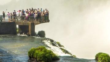 Der allgegenwärtige Selfie-Stick fehlt auch nicht bei den Foz de Iguacu.
