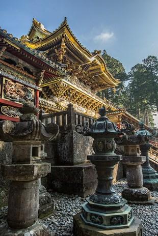 Der goldige Tempel erstrahlt im Morgenlicht.