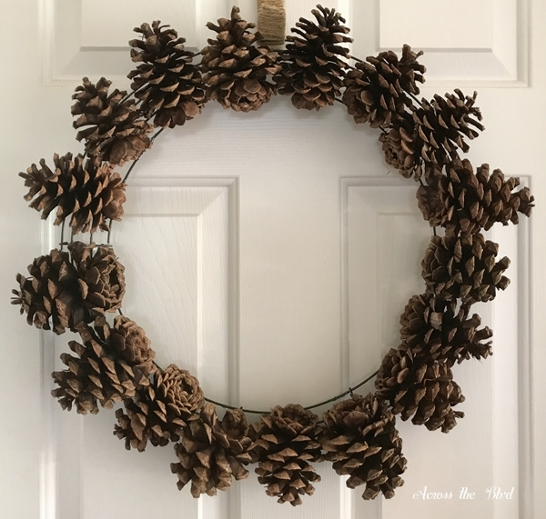 Pine Cone Wreath for Thanksgiving first circle