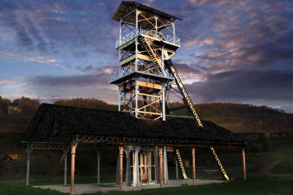 Decazeville -ancien chevalement de mine et ciel artificiel