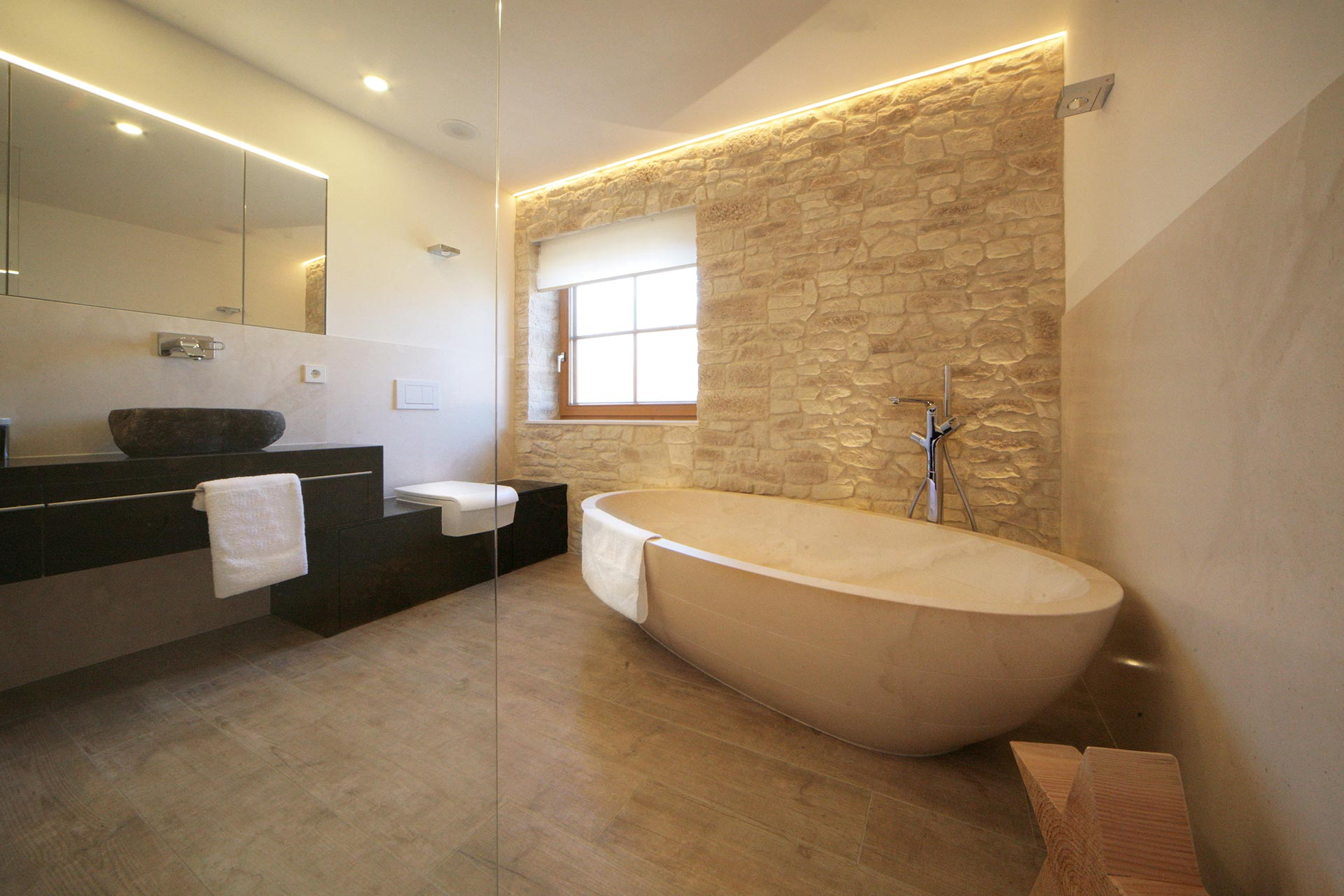 actica GmbH  actica planen  einrichten  Badezimmer und