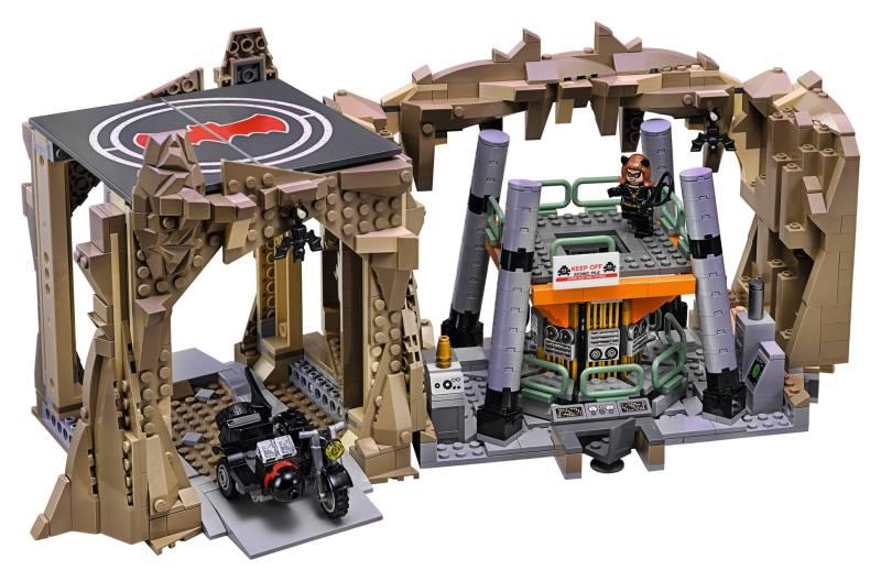 Lego66BatmanBatcaveSet3