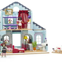 The Mega Bloks American Girl Grace's 2-in-1 Buildable Home, featuring 749 pieces. (PRNewsFoto/American Girl)