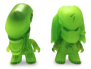 AVP TITANS 3 Two-Pack GID Striking Jaw Alien and GID Regular Predator (OOP 1)