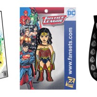 WB bags pins SDCC 17