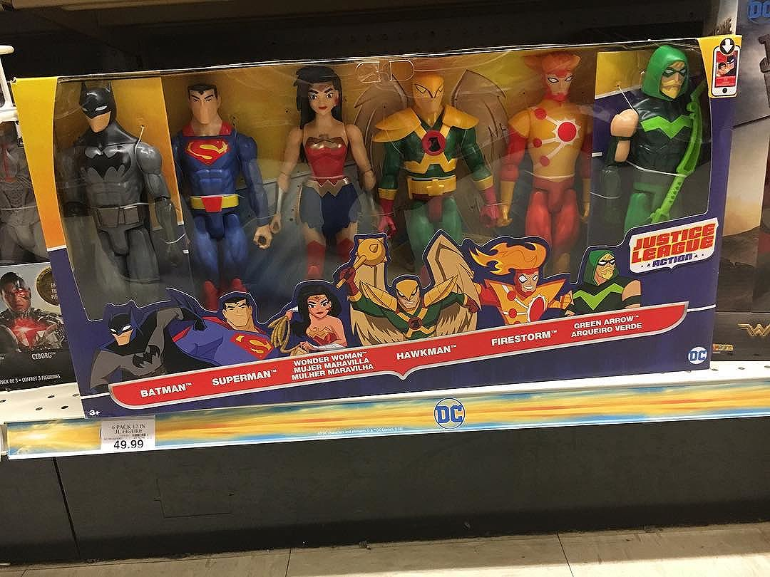 "Spotted this @mattel  12"" boxed set at @toysrus First time seeing"