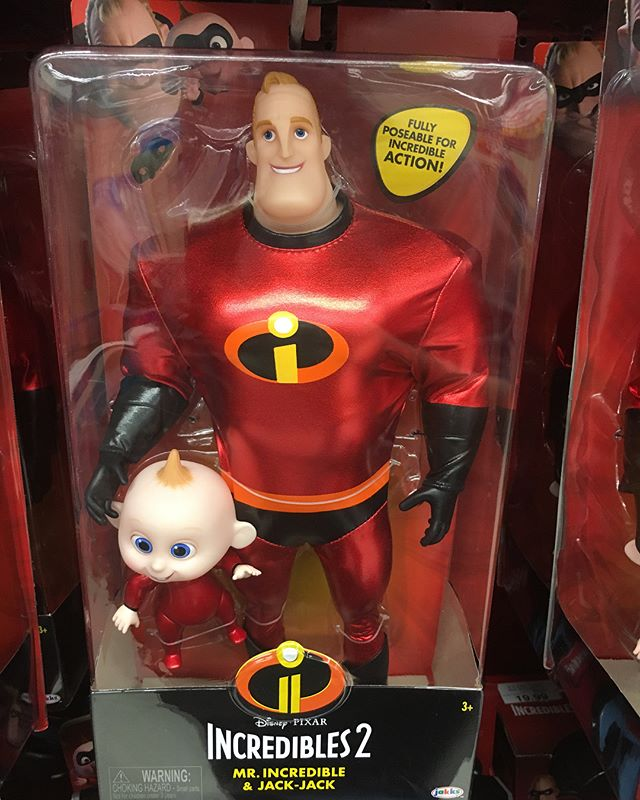 The @pixar @theincredibles line from @jakkstoys has hit. Quite a few @toysrus exclusives in the line.
