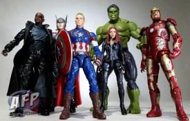 Marvel Legends Thanos wave group shot (5 of 8)