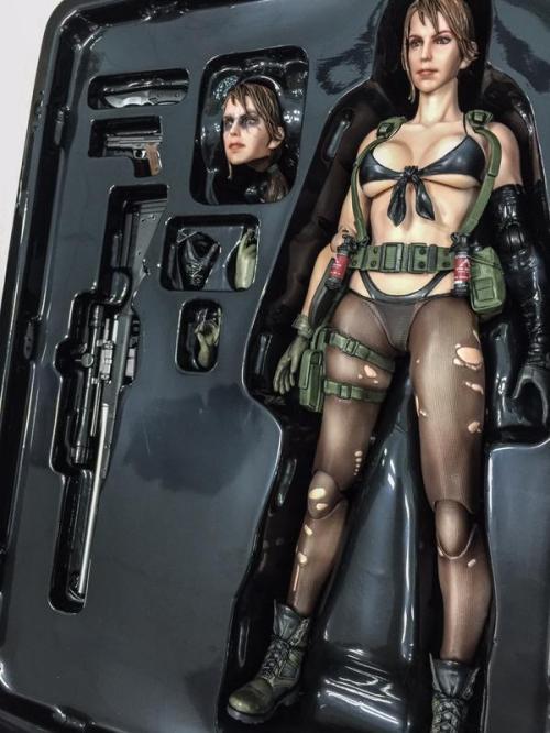 Square Enix Play Arts Kai Metal Gear Solid V Quiet - sample 1