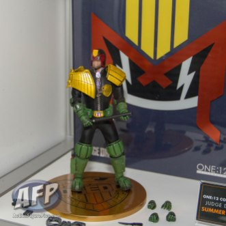 SDCC 2015 - Mezco One 12 Collective (3 of 18)