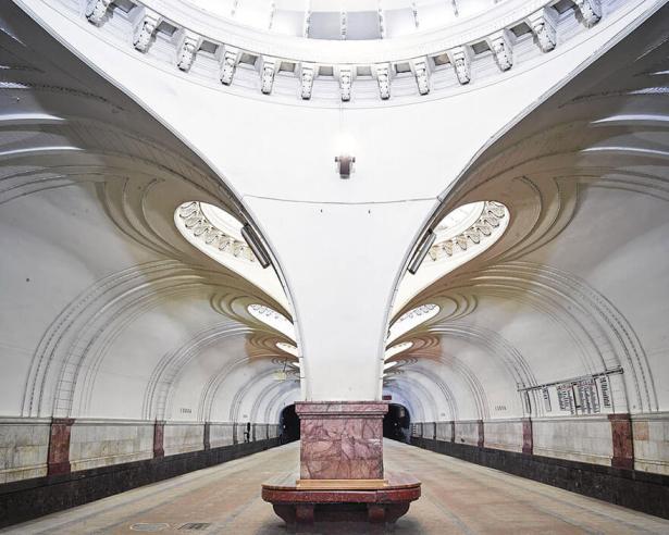 station-metro-moscou-david-burdeny-8