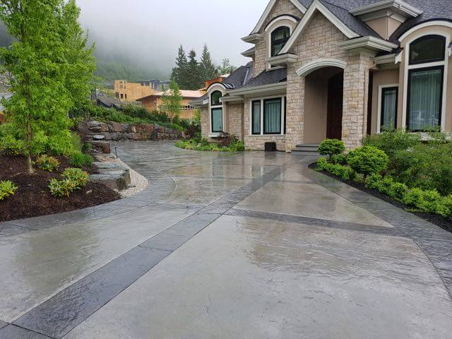 Stamped-Concrete-Driveway