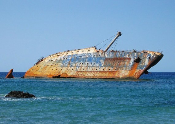 Avoid that shipwreck waiting for you in the sea of email - deep eh?