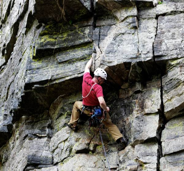 Intro Rock Climbing & Abseil - Active Outdoors Pursuits