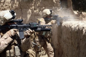 US_Marines_firing_M4s_in_Helmand_province_Afghanistan