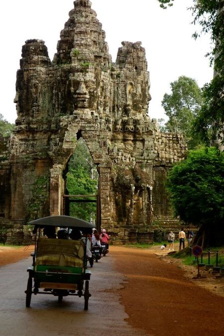 Entrance gate Angkor Thom
