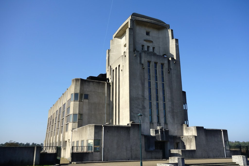 Concrete building Radio Kootwijk