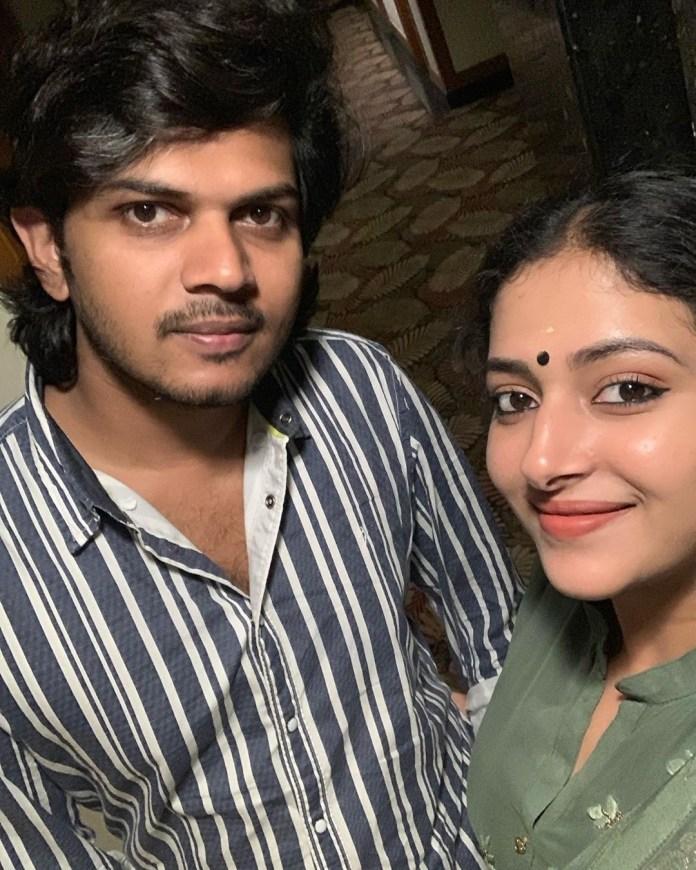anu sithara and husband