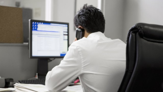 bureau-ordinateur-mail-travail-salarie-10686802cegsa_1713