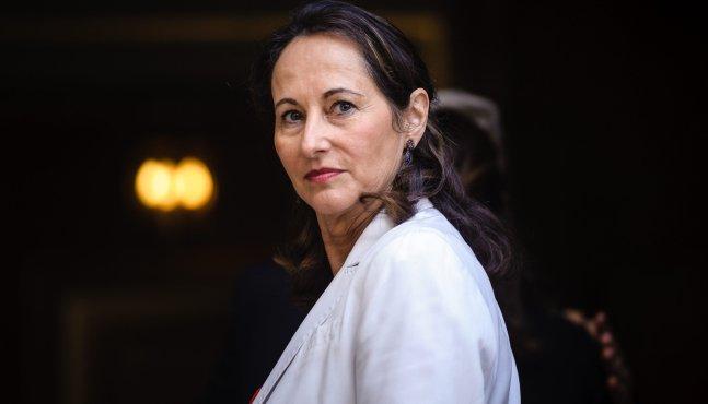 Ségolène Royal souhaite une normalisation de la taxation sur l'essence et le diesel