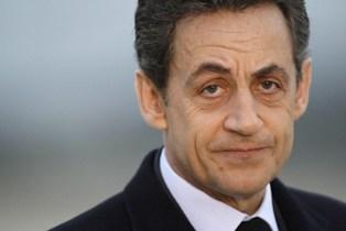 Nicolas Sarkozy tacle le paquet neutre, bête noire des buralistes