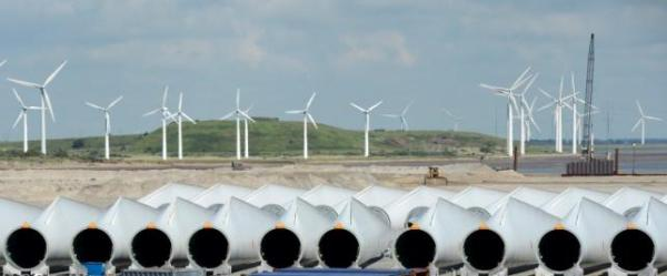 Rotor-blades are pictured at Siemens Wind Power's port of export in Esbjerg June 11, 2012.  REUTERS/Fabian Bimmer