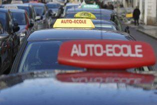 Permis de conduire : bientôt la fin du monopole des auto-écoles traditionnelles ?