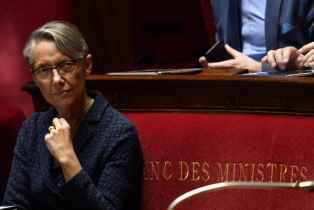 Grève Air France : Elisabeth Borne met en garde sur l'avenir de la compagnie aérienne
