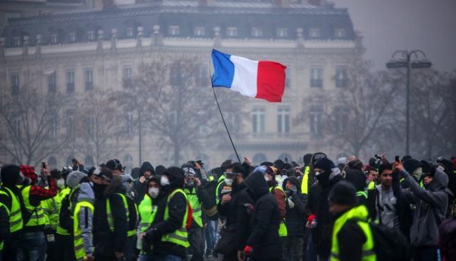 """Les manifestations des """"gilets jaunes"""" ont porté un coup à la croissance"""