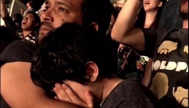 Le petit garçon autiste qui fond en larmes pendant le concert de Coldplay / Capture Youtube