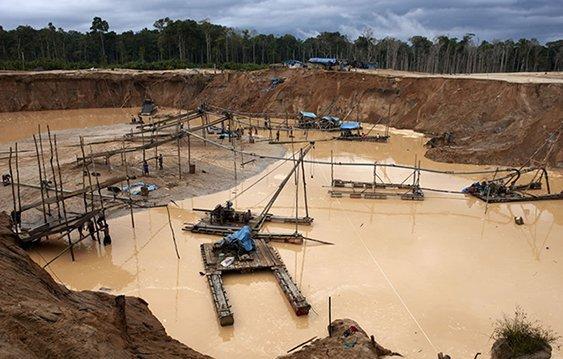 Minería ilegal en Madre de Dios. Foto: Thomas Müller.