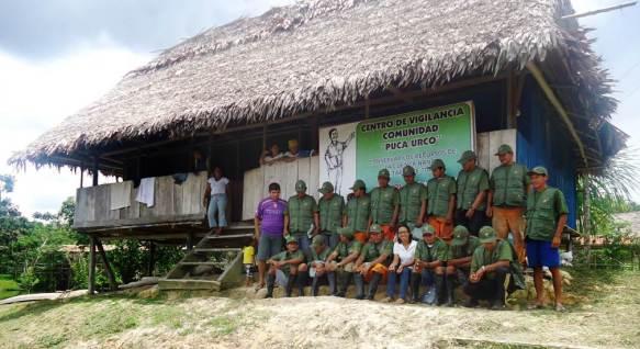 Foto nº01- Comite de control y vigilancia comunal.C.C. Puca Urco-río Nanay. Tomado por Juan Falcon Comteivos_spda