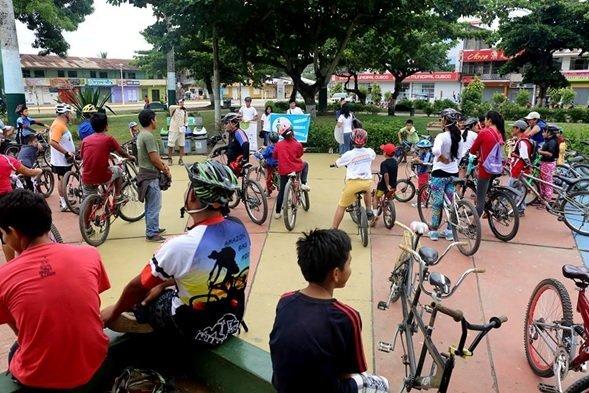 Decenas de ciclistas participaron en esta campaña