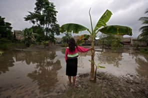A la desatención del Estado se suman los desastres naturales, que arrasan con cultivos, hogares y crean focos infecciosos.