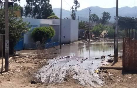El agua empozada es el escenario perfecto para la propagación de zancudos.