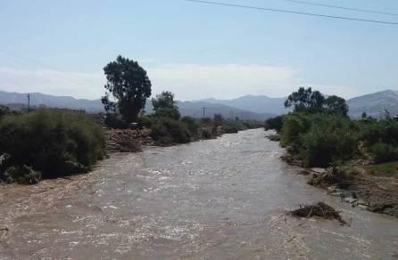 El río Huarmey no ha vuelto a crecer, pero las lluvias aún no cesan.
