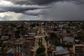 Así lucía Puerto Maldonado antes de la llegada del Papa Francisco. Días antes se pensaba que el viernes podía llover. Finalmente, el clima fue favorable.