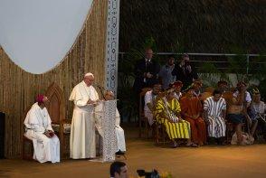 """El Sumo Pontífice también hizo una exhortación a todos los frentes involucrados en la Amazonía: """"Esto va para todos, no miremos a otro lado""""."""